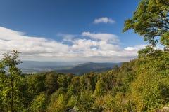 Τα μπλε βουνά κορυφογραμμών της Βιρτζίνια Στοκ Εικόνα
