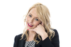 Τα νέα δάχτυλα εκμετάλλευσης επιχειρησιακών γυναικών στα αυτιά και το στόμα με καλούν σημάδι Στοκ Εικόνα