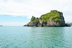 Τα νησιά για καταπίνουν τη συγκομιδή φωλιών Στοκ Εικόνες