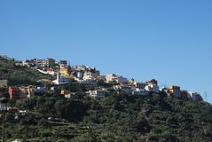 Τα νησιά Tenerife είναι ένα θέρετρο για τους τουρίστες Ακτή της θάλασσας και των ξενοδοχείων στην παραλία στοκ εικόνες