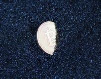 Τα νομίσματα είναι bitcoin και litecoin Στοκ Εικόνες