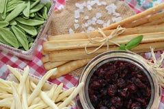Τα ξηρά τα βακκίνια, μπισκότα, ιταλικά τρόφιμα, ιταλικά τσιμπάνε, ιταλικά μπισκότα Στοκ Φωτογραφίες