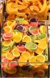 Τα ξηρά φρούτα πωλούν στην αγορά στοκ φωτογραφίες με δικαίωμα ελεύθερης χρήσης