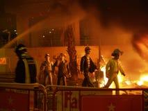 Τα ομοιώματα καίνε κατά τη διάρκεια του ετήσιου εορτασμού Las Fallas, Βαλένθια, Ισπανία στοκ φωτογραφία