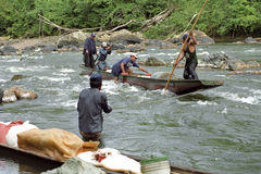Τα ορμητικά σημεία ποταμού εμποδίζουν την κυκλοφορία ποταμών, εσωτερική μεταφορά, Νικαράγουα Στοκ Εικόνα