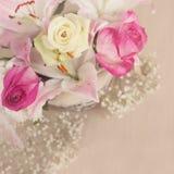 τα λουλούδια καλαθιών απομόνωσαν το λευκό Στοκ εικόνα με δικαίωμα ελεύθερης χρήσης
