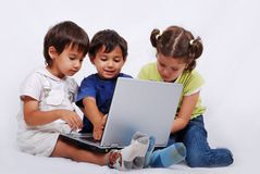 τα παιδιά ομαδοποιούν μι&kapp Στοκ φωτογραφίες με δικαίωμα ελεύθερης χρήσης