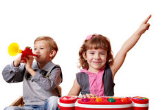 Τα παιδιά παίζουν τη μουσική Στοκ Φωτογραφίες