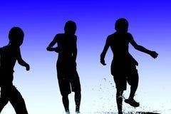 τα παιδιά παίζουν το ύδωρ Στοκ φωτογραφίες με δικαίωμα ελεύθερης χρήσης