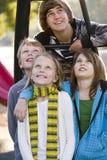 τα παιδιά σταθμεύουν το π&om Στοκ Φωτογραφίες