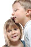 τα παιδιά συνδέουν τους &p Στοκ Φωτογραφίες