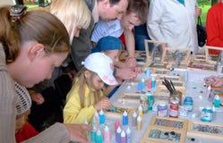 τα παιδιά σύρουν το γυαλί Στοκ Φωτογραφία