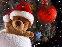 Τα παιχνίδια Χριστουγέννων teddy αντέχουν με τη διακόσμηση Έννοια Χριστουγέννων Στοκ φωτογραφίες με δικαίωμα ελεύθερης χρήσης
