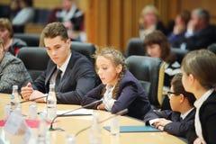 Τα παιδιά μιλούν στο γεγονός Μόσχα για τη ζωή και τους ανθρώπους Στοκ εικόνα με δικαίωμα ελεύθερης χρήσης