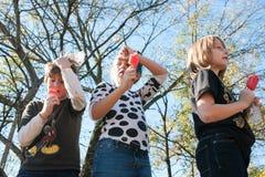 Τα παιδιά παίρνουν το πάγωμα εγκεφάλου στην Ατλάντα Popsicle τρώγοντας το διαγωνισμό Στοκ εικόνα με δικαίωμα ελεύθερης χρήσης