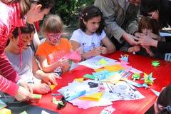 Τα παιδιά σύρουν τη δημιουργικότητα Στοκ φωτογραφία με δικαίωμα ελεύθερης χρήσης