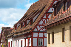 Τα παραδοσιακά γερμανικά σπίτια με το μπλε ουρανό Στοκ φωτογραφίες με δικαίωμα ελεύθερης χρήσης