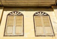 Τα παραδοσιακά ξύλινα παράθυρα, Chanthaburi, Ταϊλάνδη Στοκ εικόνα με δικαίωμα ελεύθερης χρήσης