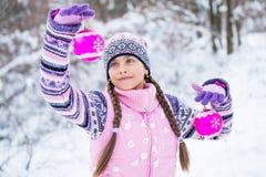 τα περιγράμματα χρωμάτων Claus Χριστουγέννων έντυσαν τα ευτυχή στρώματα απεικόνισης όπως ανδρών το εύθυμο νέο santa χωριστό έτος  Στοκ Εικόνα