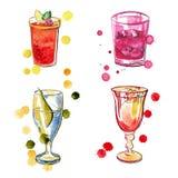 Τα ποτά αναπηδούν τους φωτεινούς χυμούς με τα μούρα και τα φρούτα Στοκ Εικόνα