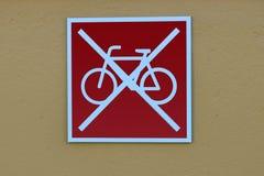 Τα ποδήλατα σταθμεύουν απαγορευμένος! Στοκ φωτογραφία με δικαίωμα ελεύθερης χρήσης