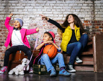 Τα πολυ-εθνικά παιδιά ομαδοποιούν το πορτρέτο Στοκ φωτογραφία με δικαίωμα ελεύθερης χρήσης
