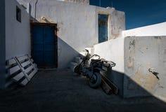Τα προαύλια της πόλης Thira στο νησί Santorini Ελλάδα Στοκ Φωτογραφίες