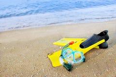 Τα πτερύγια βρίσκονται στην άμμο στοκ φωτογραφία με δικαίωμα ελεύθερης χρήσης