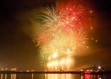 Τα πυροτεχνήματα παρουσιάζουν σε έναν εορτασμό Στοκ Εικόνες