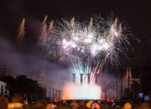 Τα πυροτεχνήματα παρουσιάζουν Plaza de Espana Στοκ φωτογραφία με δικαίωμα ελεύθερης χρήσης