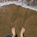 τα πόδια εδώ κυματωγών ήταν &ep Στοκ εικόνα με δικαίωμα ελεύθερης χρήσης