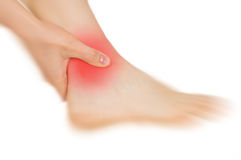 Τα πόδια που βλάπτονται, παρουσιασμένος κόκκινο, κρατούν στοκ εικόνες με δικαίωμα ελεύθερης χρήσης