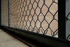 Τα σιδερόβεργα που κράτησαν τους κλέφτες από κοινού στοκ φωτογραφία με δικαίωμα ελεύθερης χρήσης