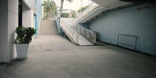 Τα σκαλοπάτια διάβασης πεζών είναι υπαίθρια Στοκ Φωτογραφίες