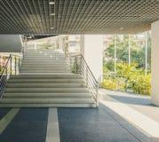Τα σκαλοπάτια διάβασης πεζών είναι υπαίθρια Στοκ Εικόνα
