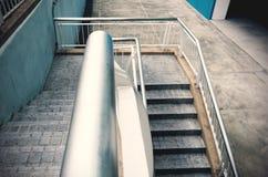 Τα σκαλοπάτια διάβασης πεζών είναι υπαίθρια Στοκ Εικόνες