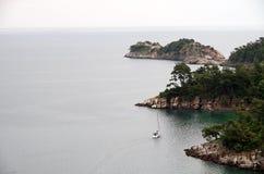 Τα σμαραγδένια νερά νησιών Στοκ φωτογραφία με δικαίωμα ελεύθερης χρήσης