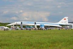 Τα σοβιετικά υπερηχητικά αεροσκάφη TU-144 επιβατών στον αέρα maks-2017 παρουσιάζουν Στοκ Φωτογραφίες