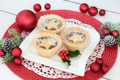 Τα σπιτικά Χριστούγεννα κομματιάζουν τις πίτες Στοκ Φωτογραφία