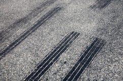 τα στενά σημάδια ολισθαίνουν επάνω Στοκ φωτογραφίες με δικαίωμα ελεύθερης χρήσης