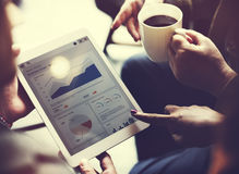 Τα στοιχεία 'brainstorming' επιχειρησιακής ομάδας στοχεύουν σε οικονομικό Cocnept Στοκ Φωτογραφίες