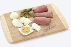 Τα συστατικά για την προετοιμασία roulade βόειου κρέατος, κλείνουν επάνω Στοκ φωτογραφίες με δικαίωμα ελεύθερης χρήσης