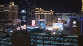 Τα σύγχρονα ξενοδοχεία στη λεωφόρο του Λας Βέγκας τή νύχτα - ΗΠΑ 2017 απόθεμα βίντεο