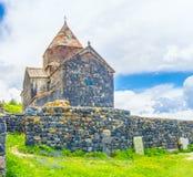 Τα σύννεφα πέρα από το μοναστήρι Sevanavank Στοκ Εικόνες
