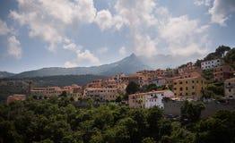 Τα σύννεφα στο βουνό στοκ φωτογραφία με δικαίωμα ελεύθερης χρήσης