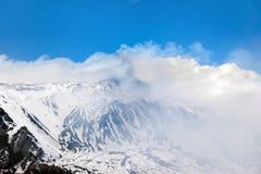 τα σύννεφα τοποθετούν ανωτέρω etna Στοκ φωτογραφία με δικαίωμα ελεύθερης χρήσης