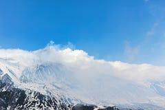 τα σύννεφα τοποθετούν ανωτέρω etna Στοκ Εικόνες