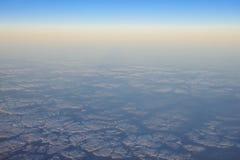 τα σύννεφα cloudscape διαπερνούν την ανατολή ακτίνων πυκνά Στοκ Φωτογραφία
