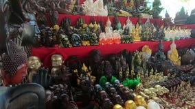 Τα ταϊλανδικά φυλακτά στην αγορά ήταν Arun απόθεμα βίντεο