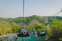 Τα τελεφερίκ στο θεματικό πάρκο Everland σε Yongin, Νότια Κορέα στοκ φωτογραφία